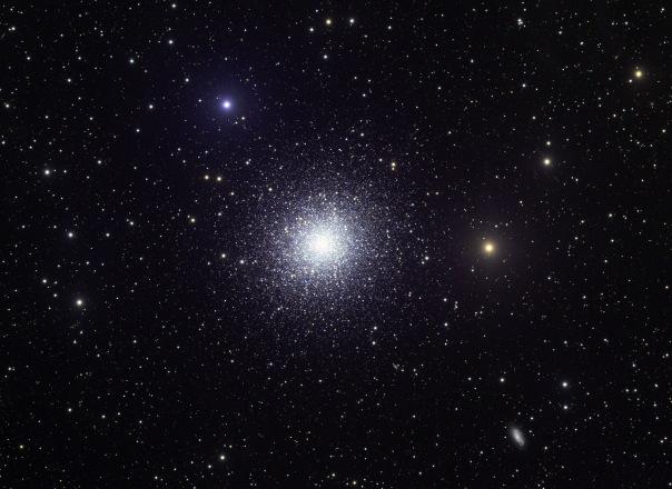 фотоснимки объектов каталога Месье - М13