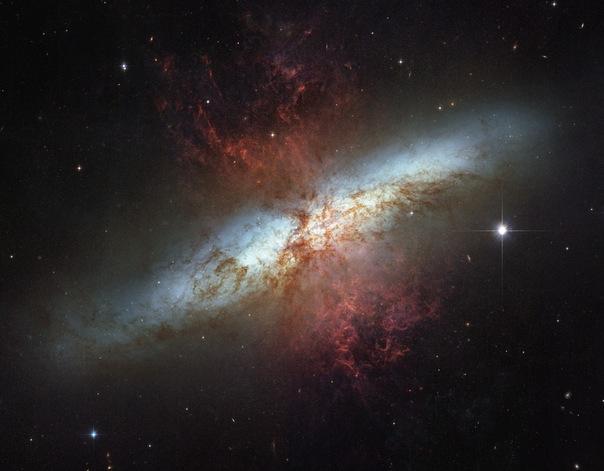 фотоснимки объектов каталога Месье - М82